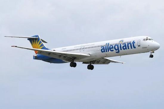 самолет Allegiant Air
